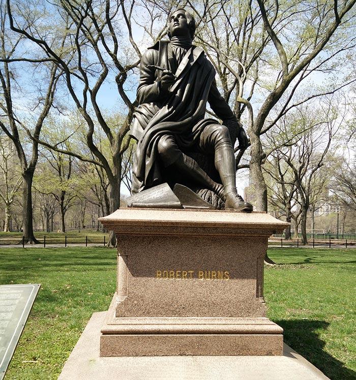 Statue of Robert Burns in Scotland