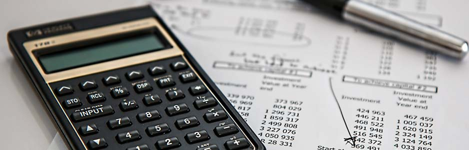 An example of an accountant that offers bookkeeping services and tax advice