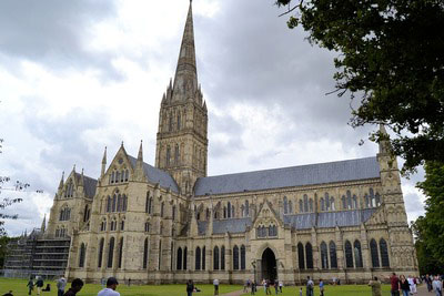 An example of the Salisbury Cathedral on the Funeral Directors in Salisbury page on Thomson Local.